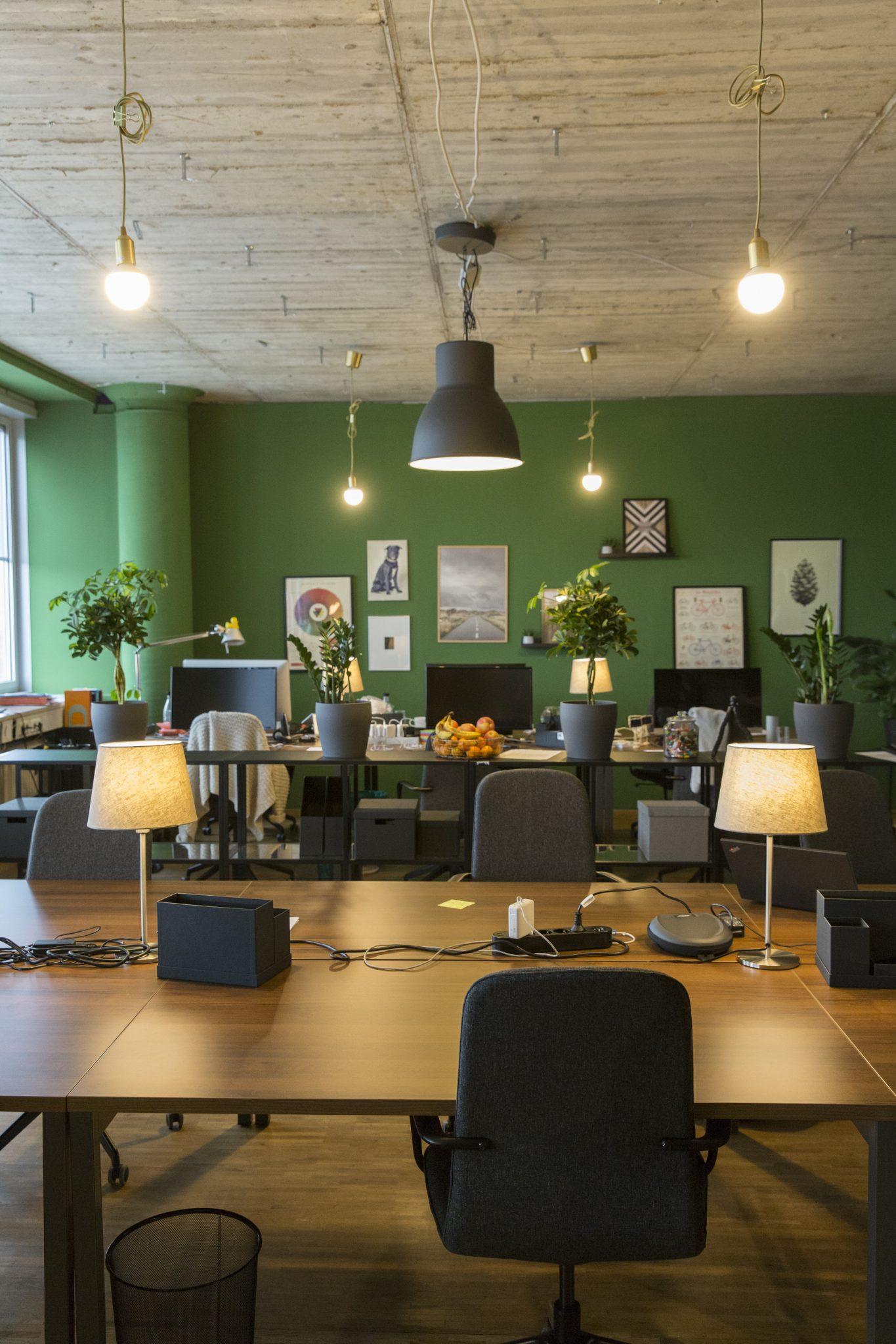 Coworking Munich PEAKZONE clean desk